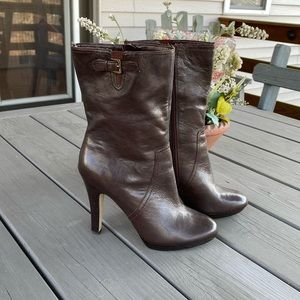 Anne Klein Brown Leather High Heeled Boots!